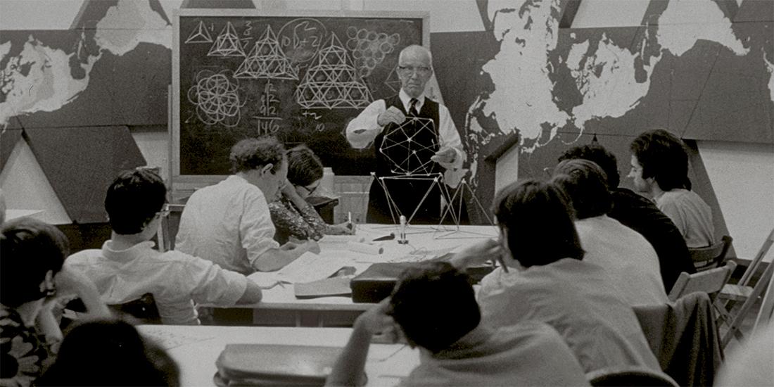 World Game: Primer seminario sobre El Juego del Mundo, dirigido por Buckminster Fuller y Edwin Schlossberg, Nueva York. Julio de 1969. Cortesía The Estate of R. Buckminster