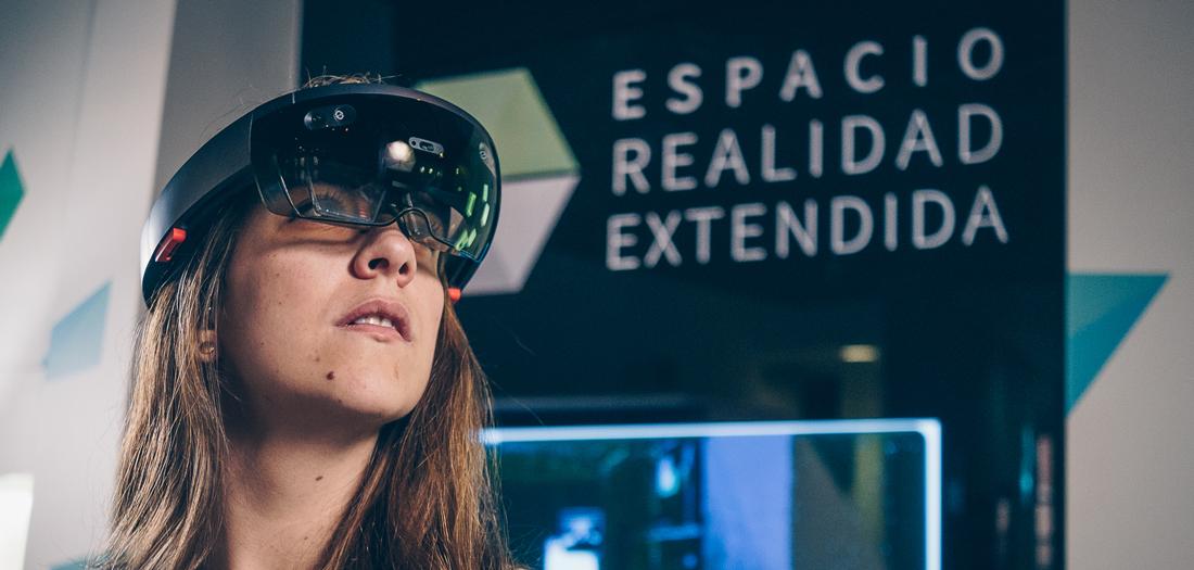 Imágenes de nuestros asistentes disfrutando de nuestro Espacio XR.