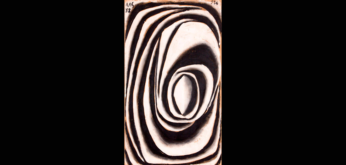 Joaquín Torres-García (Uruguayo. 1874–1949). Forma abstracta en espiral modelada en blanco y negro. 1938. Témpera sobre cartón. Colección privada. © Sucesión Joaquín Torres-García, Montevideo 2015. Foto: ©2016 The Museum of Modern Art, New York. Christian Roy
