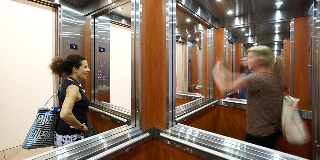 Ahora (no) me ves: el espejo en el imaginario popular | Espacio ...