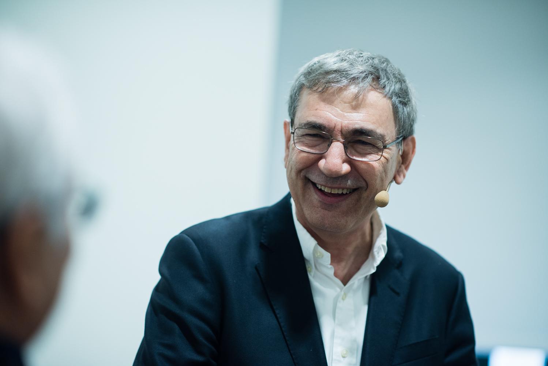 Imágenes del encuentro con Orhan Pamuk