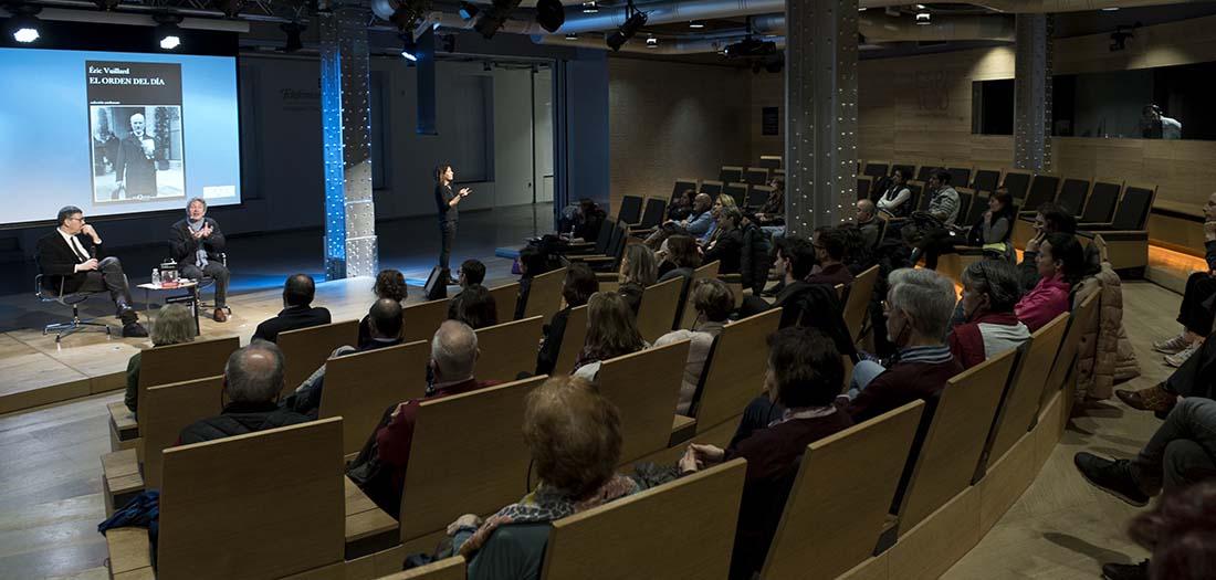 Imágenes de la presentación de Éric Vuillard.