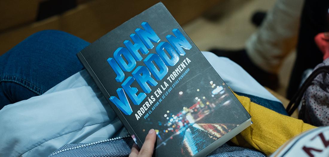 Imágenes del encuentro con John Verdon.