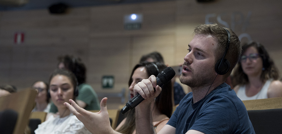 Imágenes del encuentro con Joël Dicker.