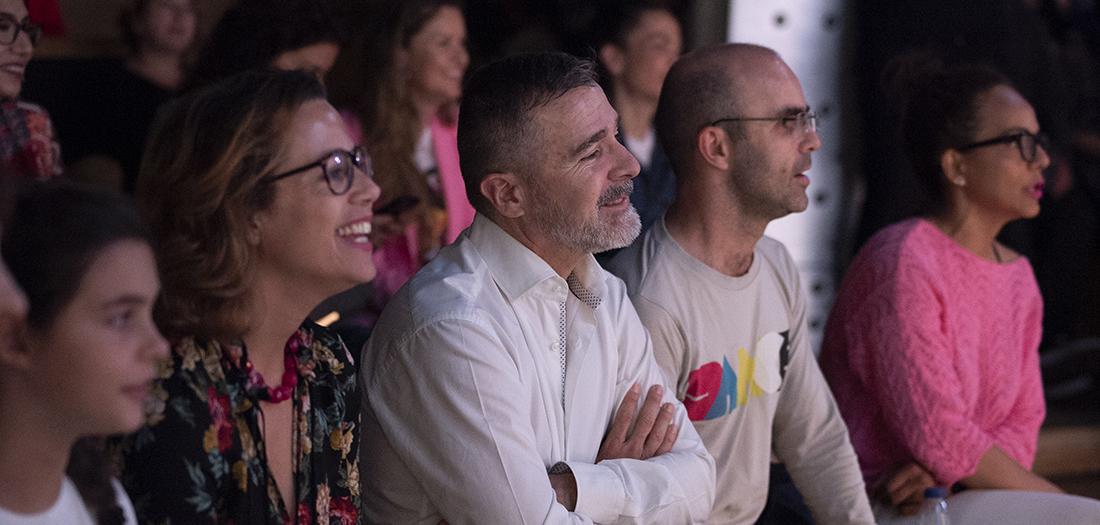 El público, entusiasmado con Carlinhos Brown
